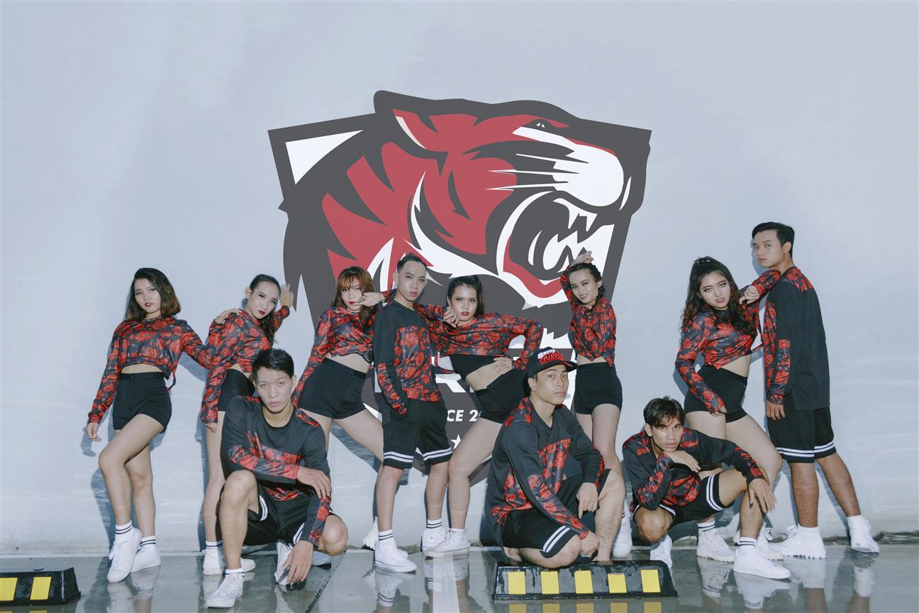 T-RED DANCE TEAM: Bạn đã sẵn sàng để làm Hổ Đỏ chưa?