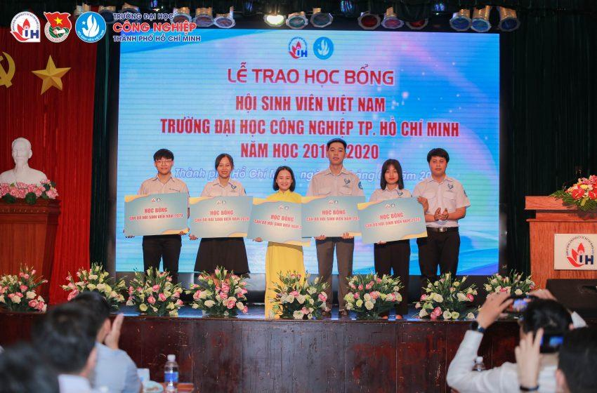 Gần 170 triệu đồng học bổng cho sinh viên người dân tộc thiểu số tại Trường Đại học Công nghiệp Thành phố Hồ Chí Minh